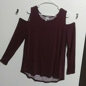 Long sleeve shoulder cut out shirt